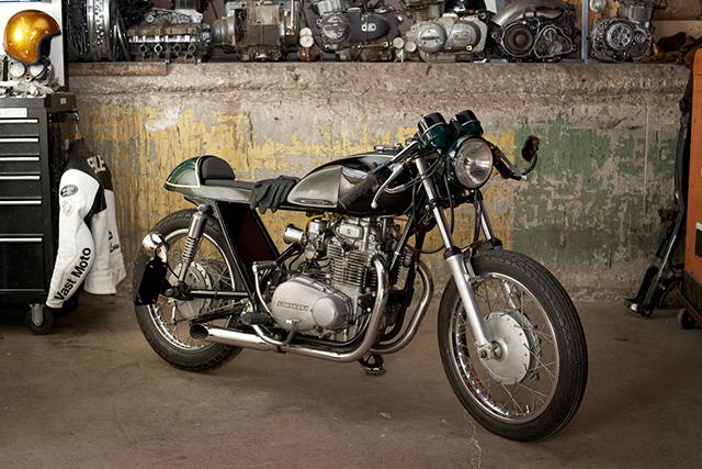 Vast Moto2128