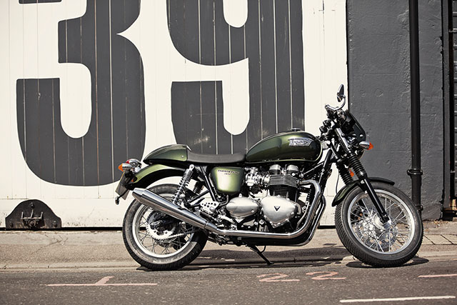Thruxton_MY14_Gallery_130605-9011