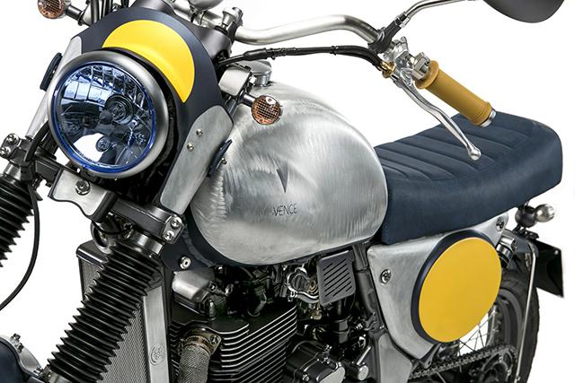 Suzuki_XF650_02