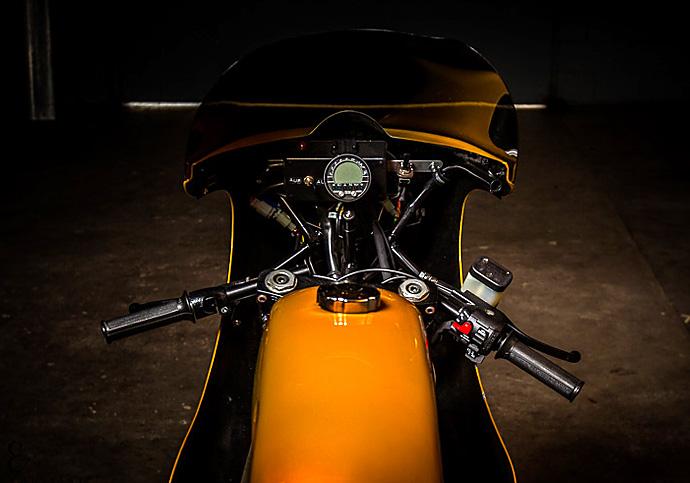 C'est ici qu'on met les bien molles....BMW Café Racer - Page 39 07_04_2016_Boxer_metal_BMW_R90S_03