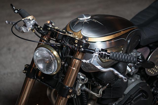01_07_2016_Analog_Motorcycles_Triumph-_Bonneville_El_Matador_06