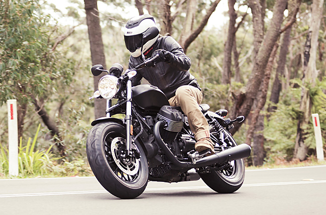 18_07_2016_Moto_Guzzi_Roamer_Bobber_Review_10_small