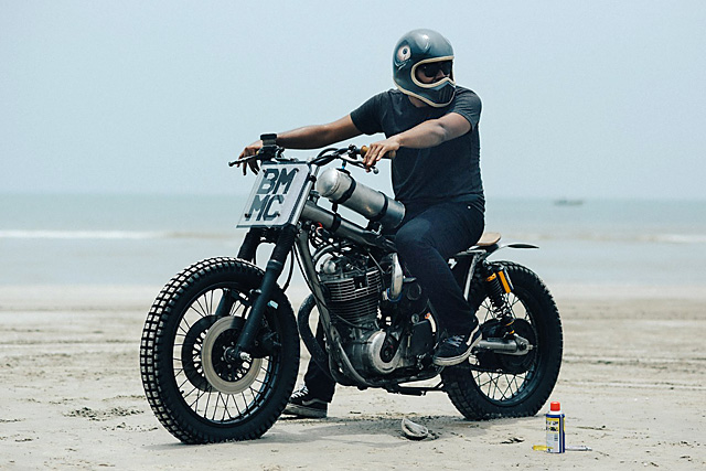 30_09_2016_beautiful_machines_yamaha_sr400_supercharged_beach_racer_07