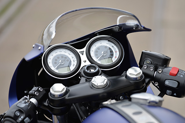 10112016_walzwerk_triumph_thruxton_1200_germany_racer_motorcycle_06