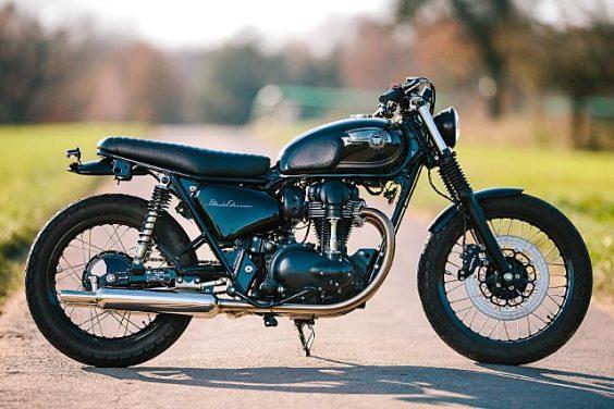 ?15 Kawasaki W800 SE ?Schlachtwerk