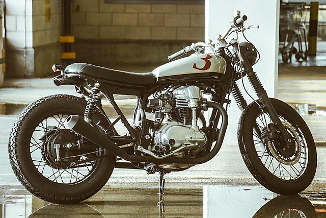 3-DOM' Kawasaki W400 - Unled Motorcycles - Pipeburn.com