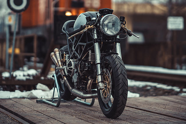 Cafe Racer Mostro