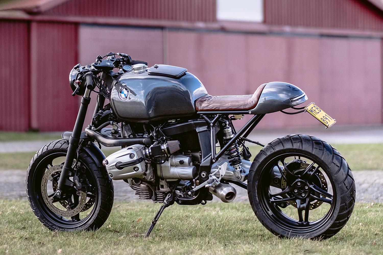 The Beast Bmw R1100s Cafe Racer Moto Adonis Pipeburn Com