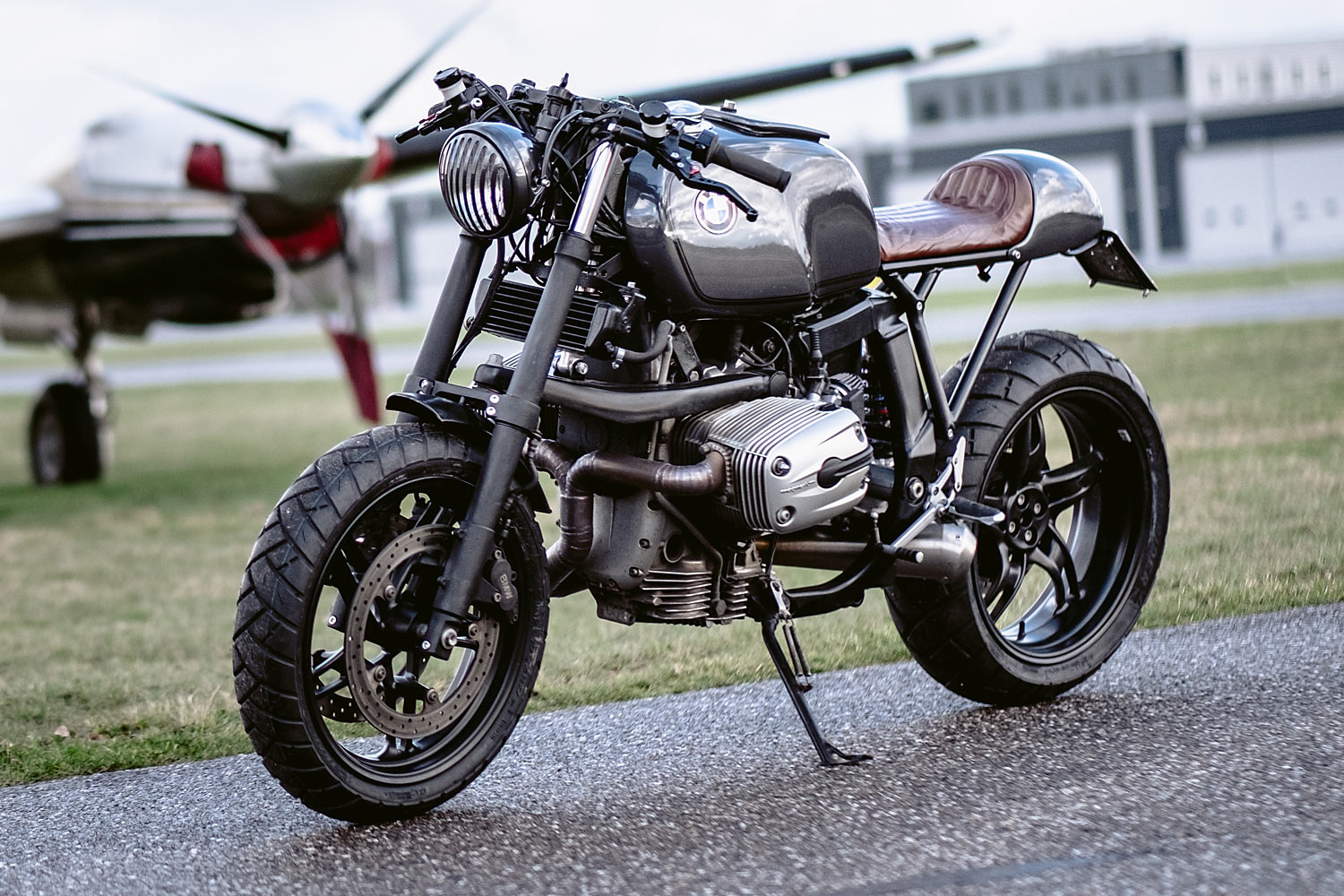 the beast' bmw r1100s cafe racer - moto adonis - pipeburn