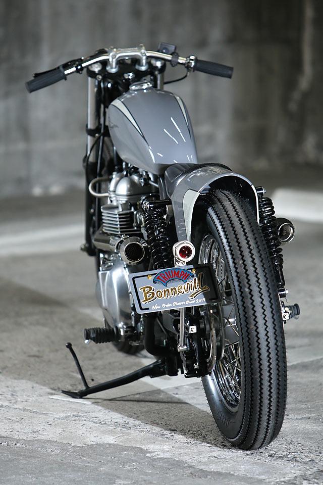 GETTIN' HEI. A Triumph Bonneville Bobber from Japan's ...