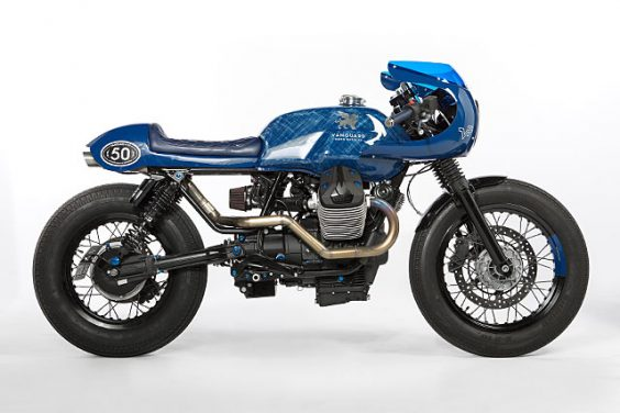 BLUE RACER CULT. Gannet Design and Wrench Kings Take On a Moto Guzzi V7