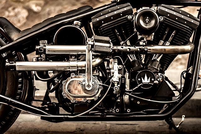 BACK IN BLACK  Lucky Customs' 'Rock'n'Rolla' Evo Harley Bobber