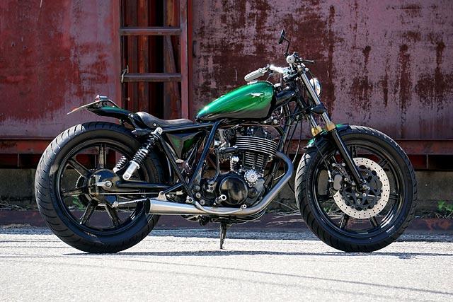 Yamaha SR400 Vintage Racer   Yamaha sr400, Vintage cafe
