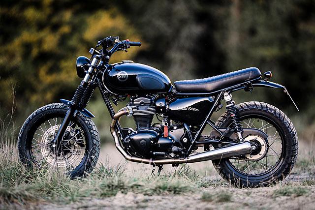 Schlachtwerks Midnight Black Kawasaki W800 Scrambler