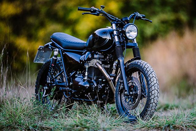 Night Rider Schlachtwerks Midnight Black Kawasaki W800 Scrambler