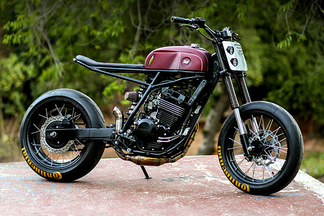 SNAKES AND LATTICE. The 'Cobra' Honda XR250 from Argentina's Lucky Customs