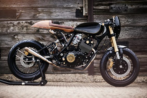DIRTY DEEDS. Lion's Den Builds A Yamaha XT600 Racer