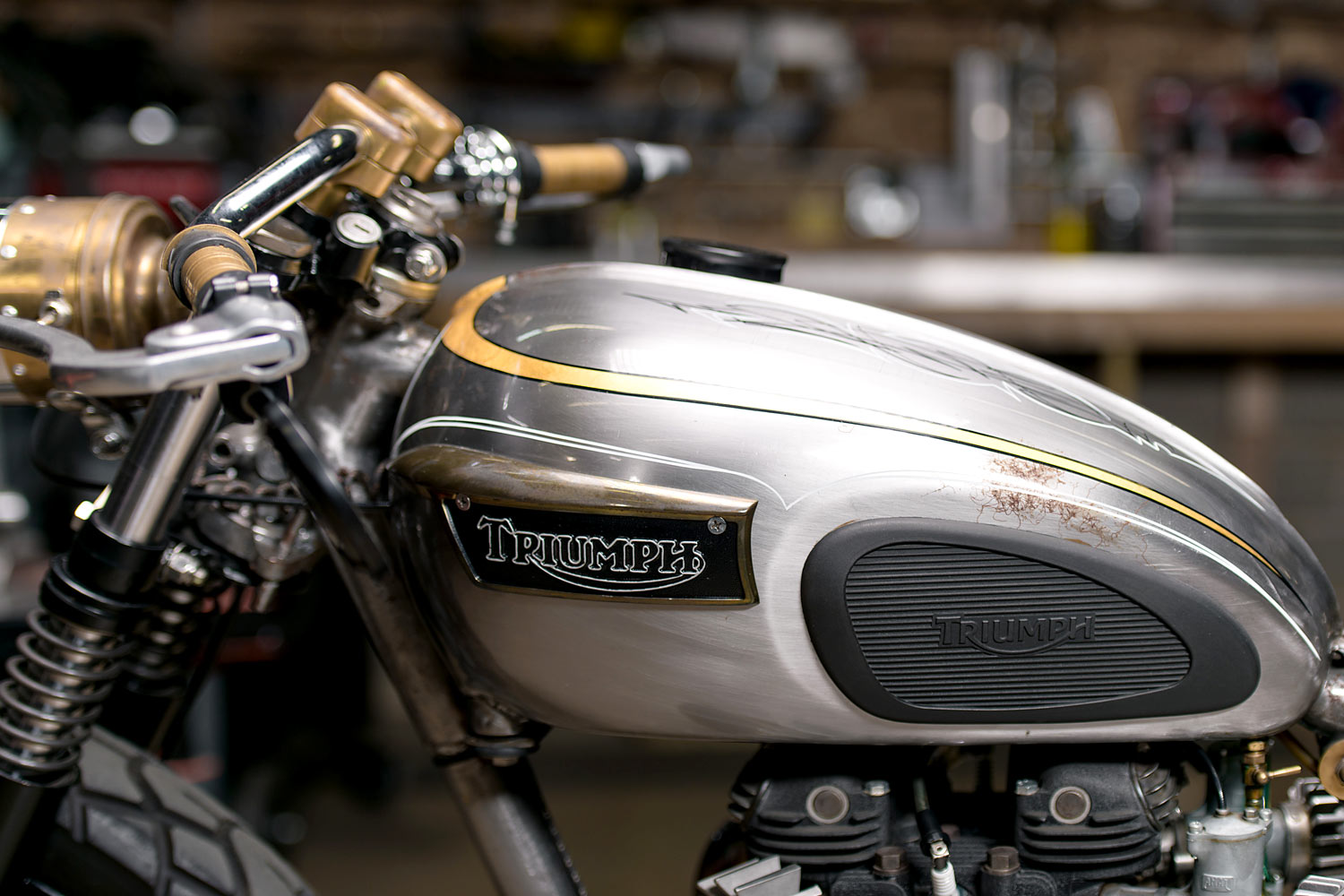 YOU ONLY LIVE TWICE  Analog Motorcycles Rebuild Their Classic '72