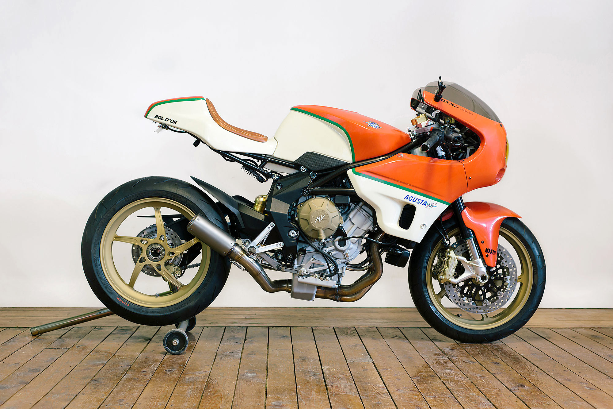 d ors of perfection walt siegl s immaculate mv agusta brutale racer. Black Bedroom Furniture Sets. Home Design Ideas