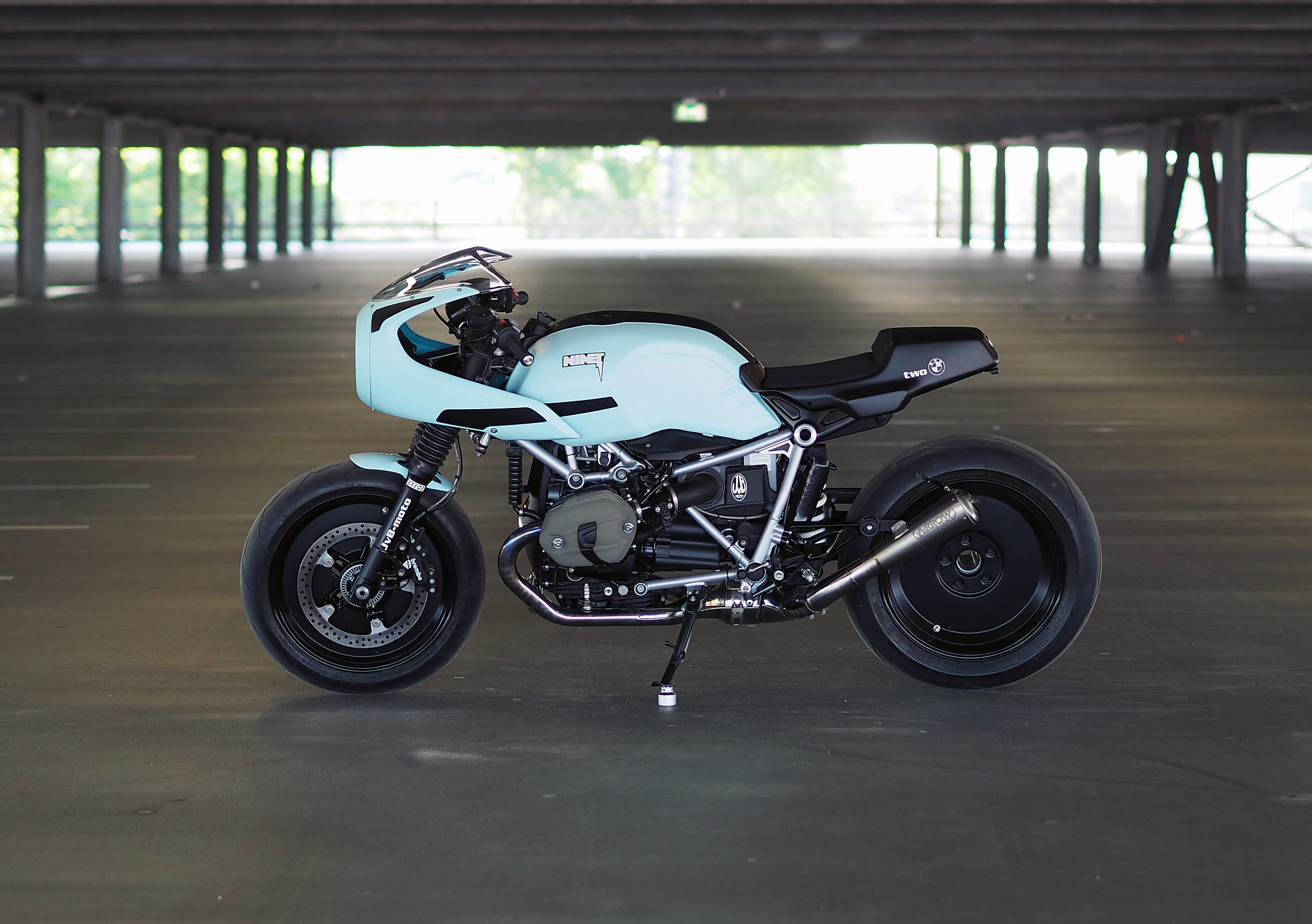 JVB_moto_BMW_RnineT_TWO_BIGS_04.jpg