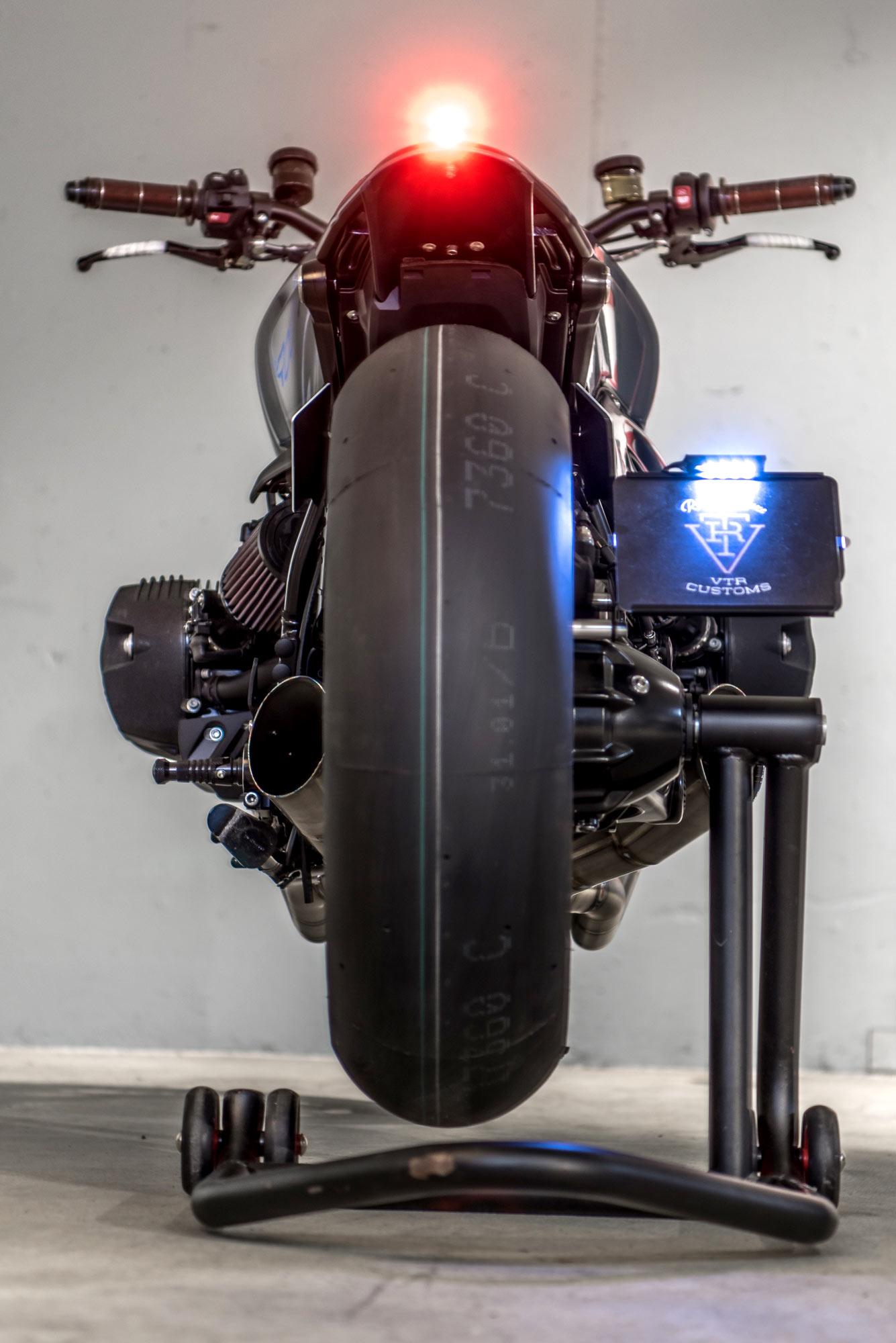 VTR_Customs_ST33_BMW_R9T_Tracker_BIGS_10.jpg