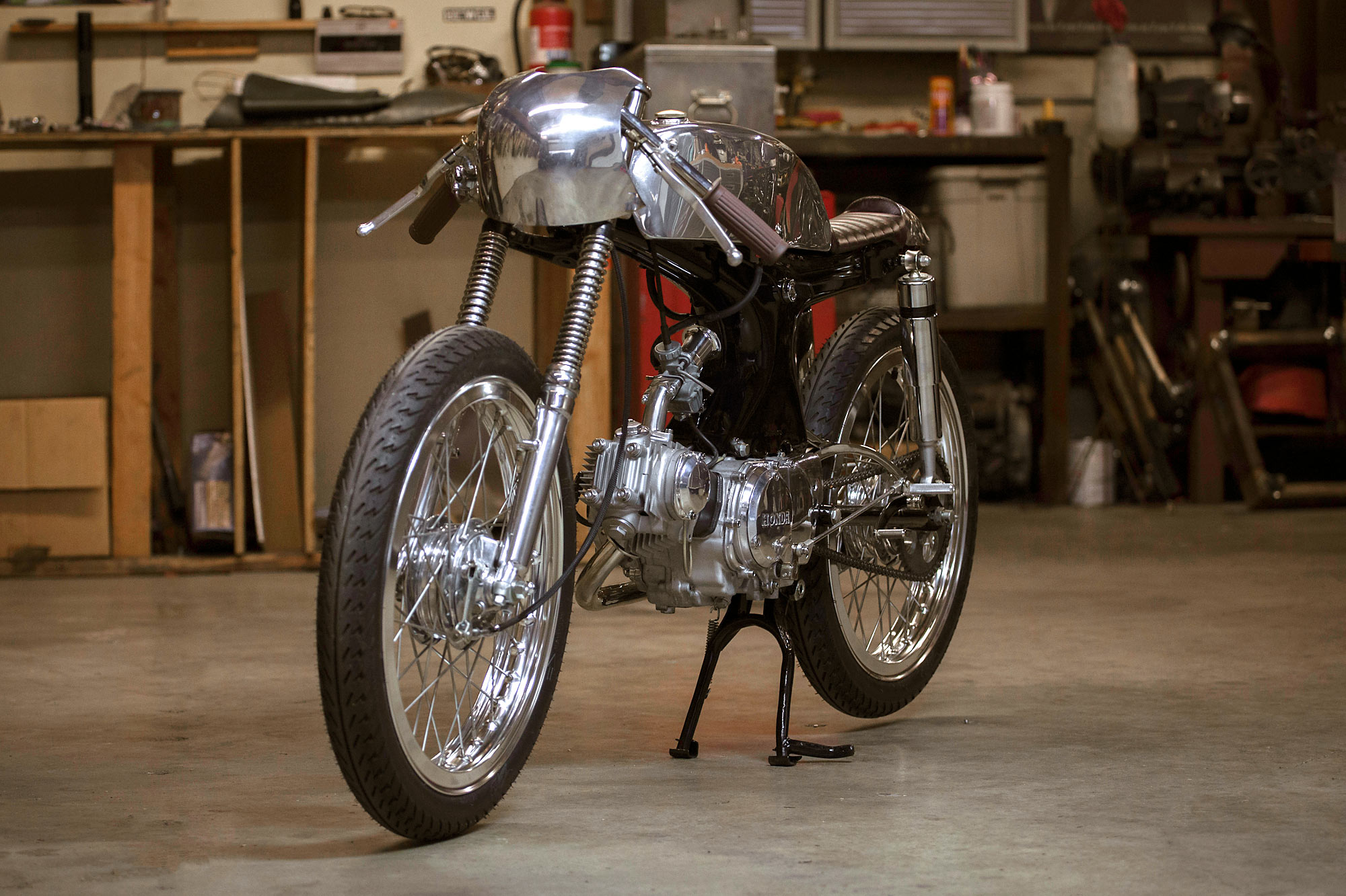 Family First Kott Motorcycles Heirloom Honda S90 Racer 1970 Cb 90 Motorcycle And While They Specialize In Big Old Cbs This Time Around Theyve Tackled A Smaller Offering 1969