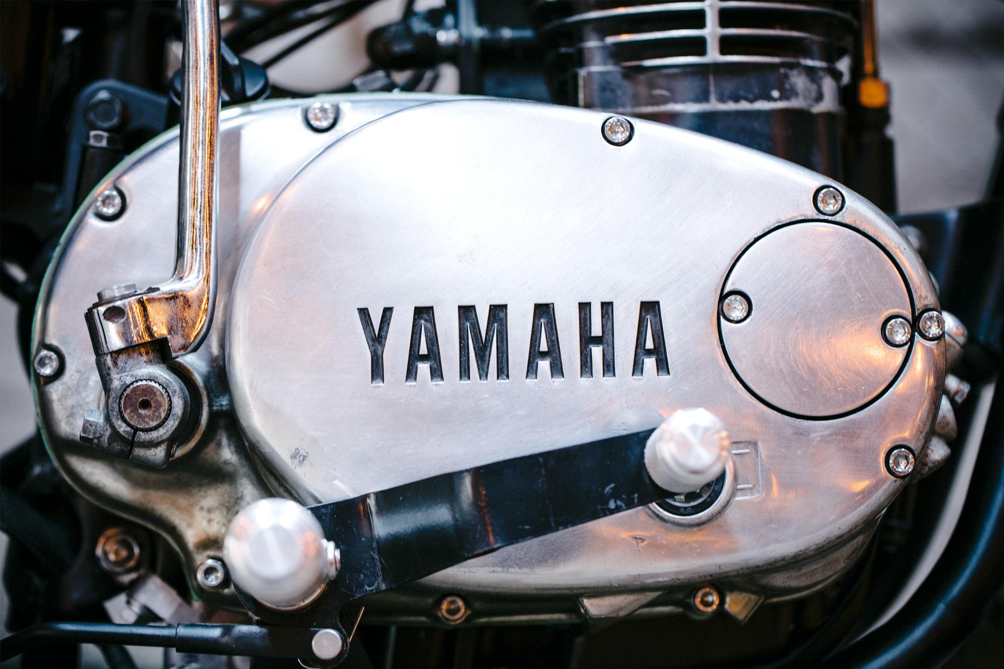 KISSING ASS  Federal Moto's 'Bottom Feeder' Yamaha XS650 Chopper