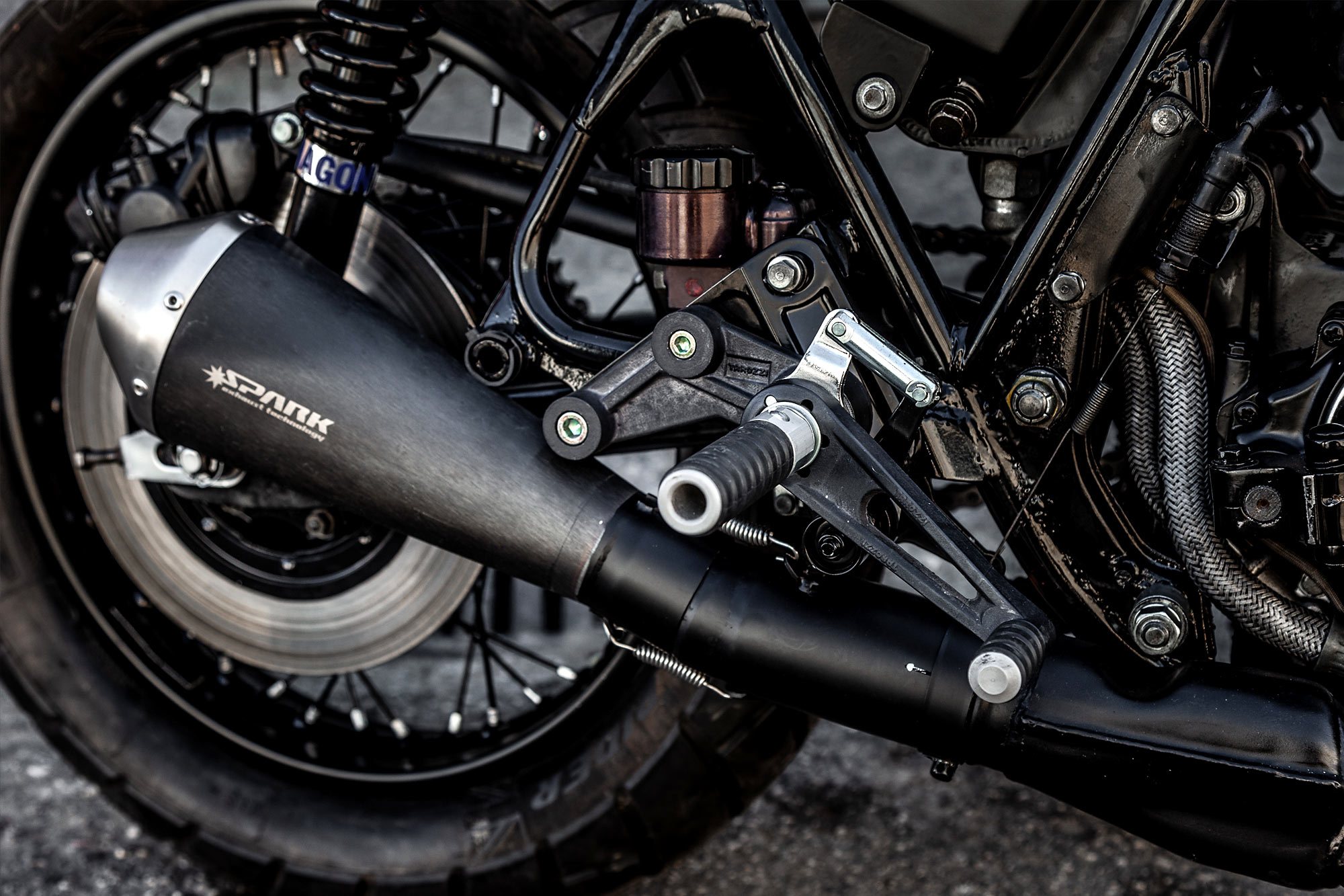 MONSTER, INC  Macco Motor's 'Chimera' Honda CB750 SuperSport