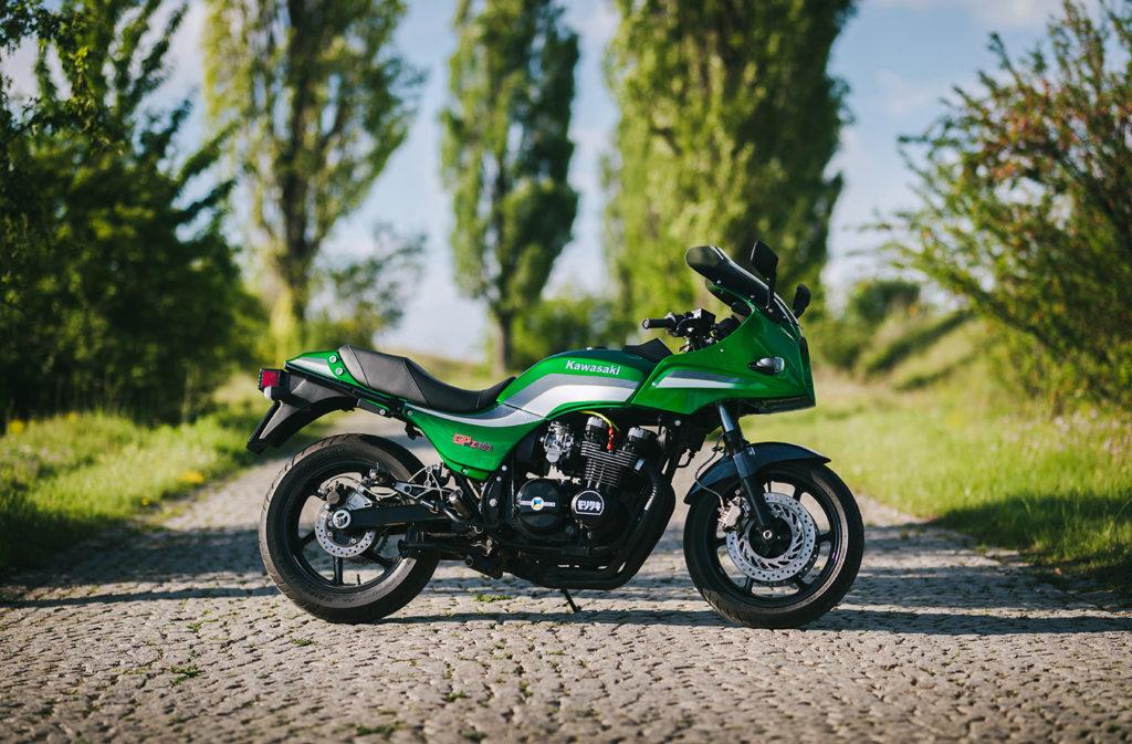 KILLER KWAKA: 1984 Kawasaki GPZ750 by Marko Visacki.